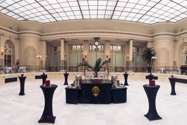 http://The%20Waldorf%20Hilton%20Corporate%20Parties,%20Palm%20Court