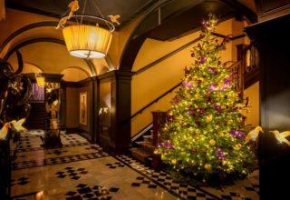 L'Oscar London Corporate Christmas Party, Entrance