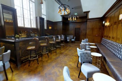 http://Courthouse%20Hotel%20Shoreditch,%20Private%20Members%20Bar