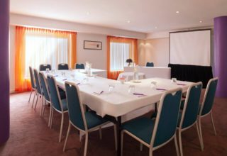 Vibe Hotel Rushcutters Bay Corporate Meeting, Small Boardroom
