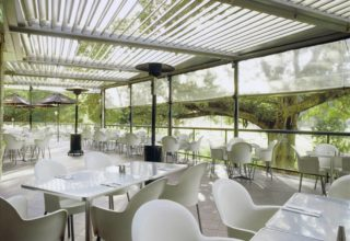 Vibe Hotel Rushcutters Bay Brunching, Restaurant Terrace