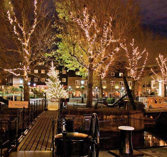 The Dickens Inn Evening Dining, Outside space