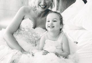 Bride and flower girl in hotel room at Park Hyatt Melbourne