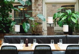 Establishment Bar Coffee Meetings, Courtyard