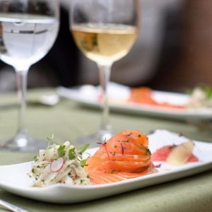 http://Dining%20at%20Nonsuch%20Mansion