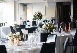 Rivers-Edge-Events-Wedding-Reception-Round-Tables