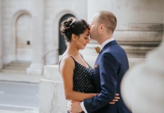 London Banking Hall Wedding Couple Kissing Outside Photo by Epic Moments UK