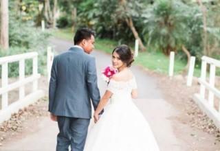Bundaleer Rainforest Gardens Brisbane Wedding Venue Couple Portrait Bridge