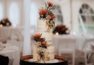 Bundaleer Rainforest Gardens Brisbane Wedding Venue Wedding Cake