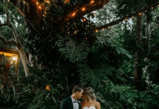 Bundaleer Rainforest Gardens Brisbane Wedding Venue Couple Fairylights Tree